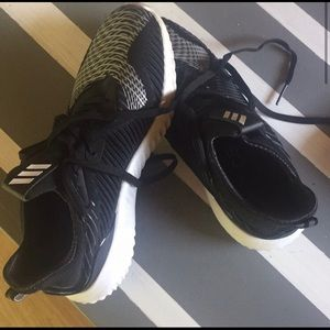 Nike Alpha Bounce Sneakers